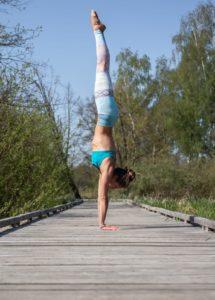 Handstand Marina
